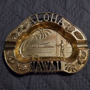 VINTAGE DESIGN Hawaiian Gold Ashtray/ Vanity Dish